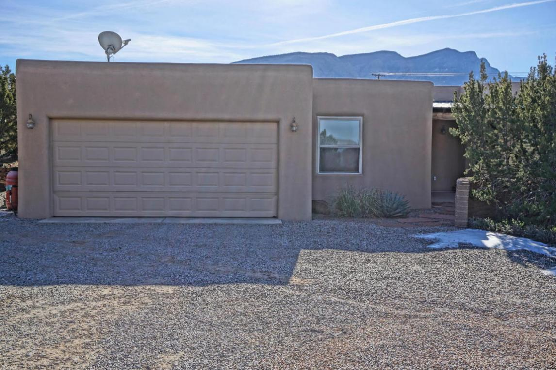 184 State Highway 165, Placitas, NM 87043