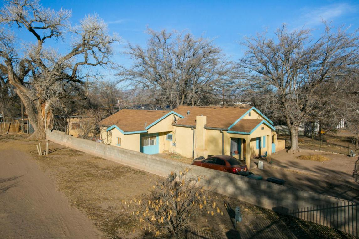 1717 Del Sur Drive SW, Albuquerque, NM 87105