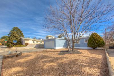 Photo of 1124 Espejo Street NE, Albuquerque, NM 87110