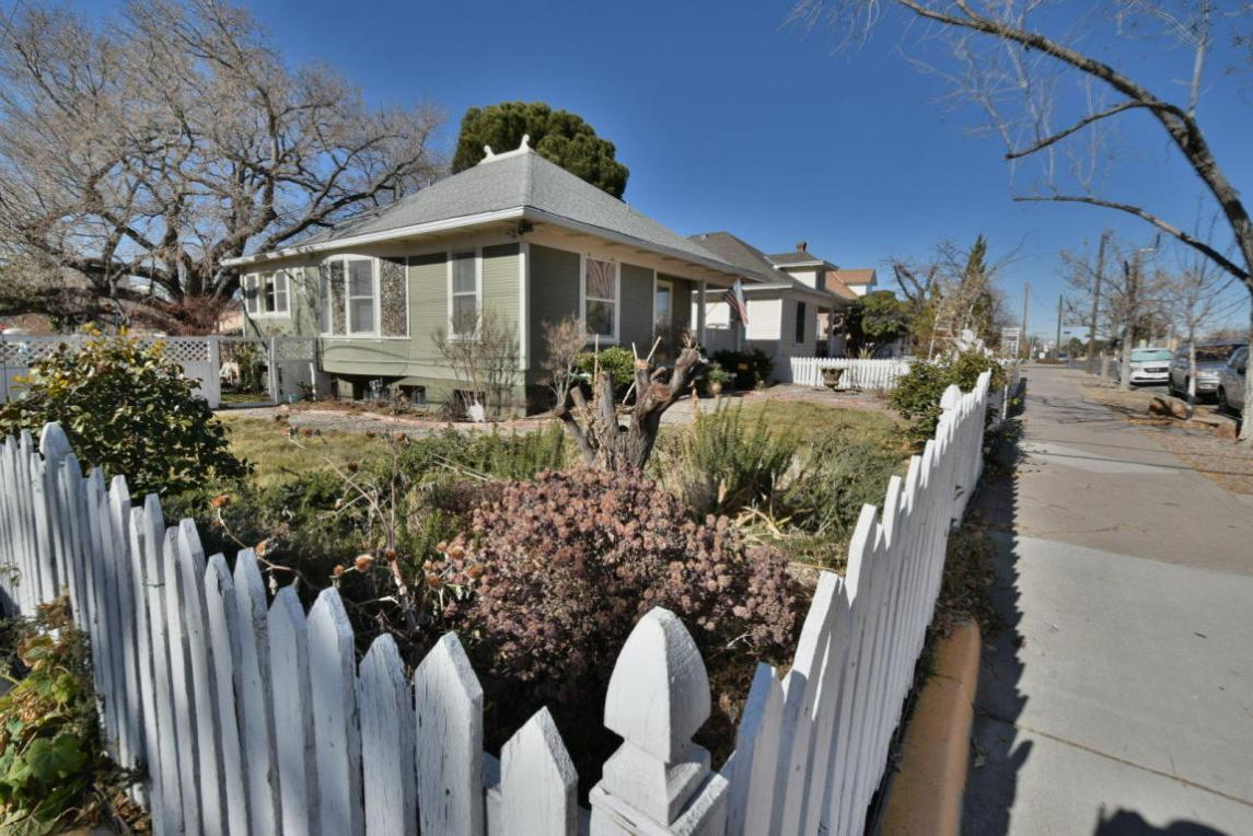 201 Edith Boulevard NE, Albuquerque, NM 87102