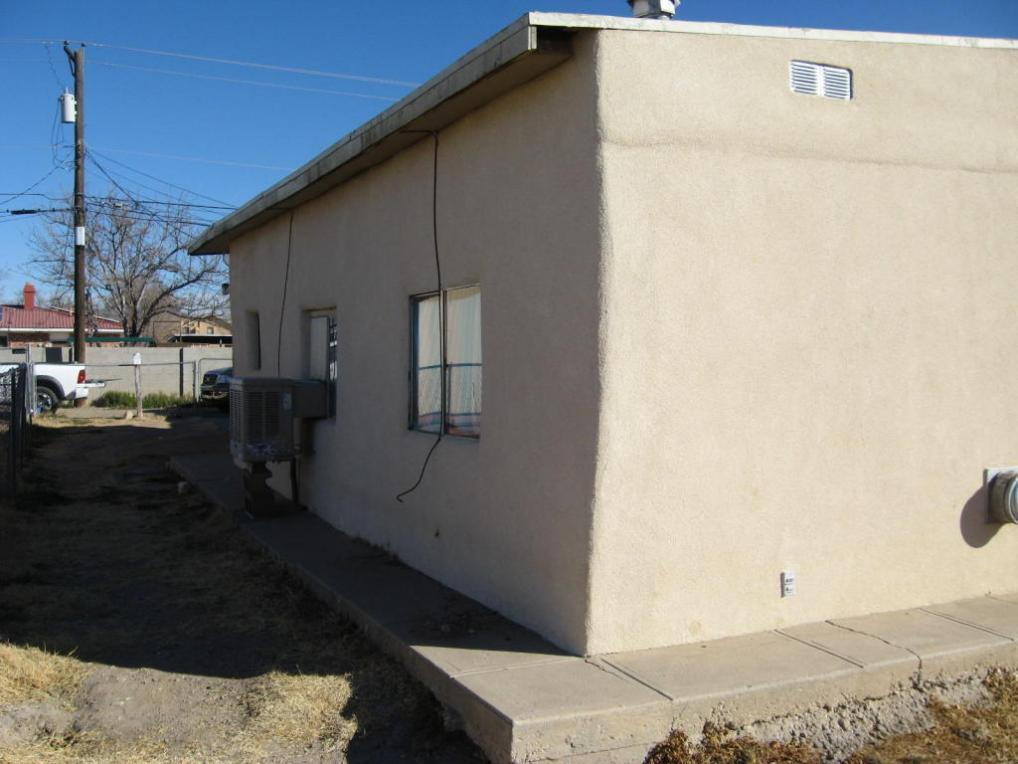 306 Becker Avenue, Belen, NM 87002