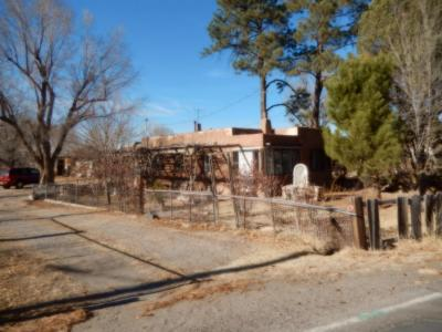 Photo of 8817 4th Street NW, Los Ranchos, NM 87114