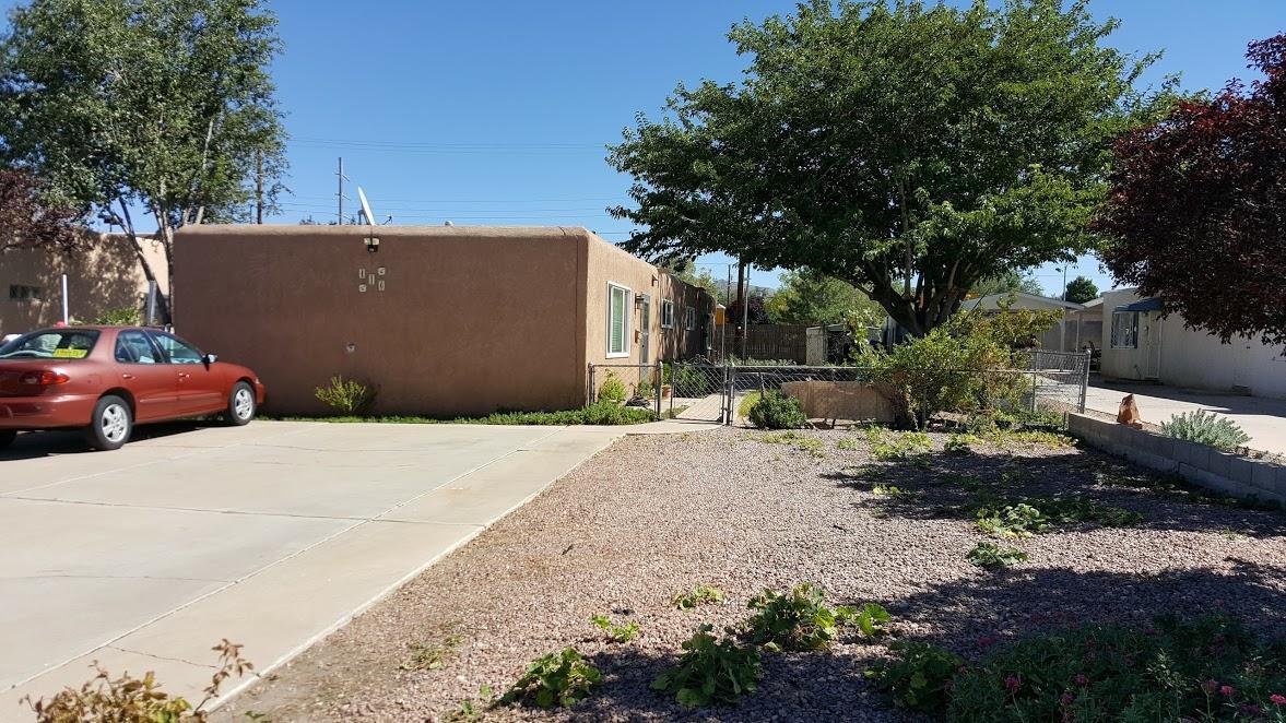 416 Kentucky Street SE, Albuquerque, NM 87108