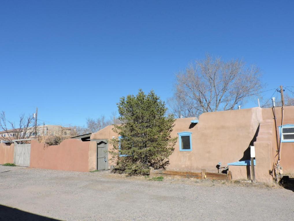 2416 Rice Avenue NE #Apt C, Albuquerque, NM 87104