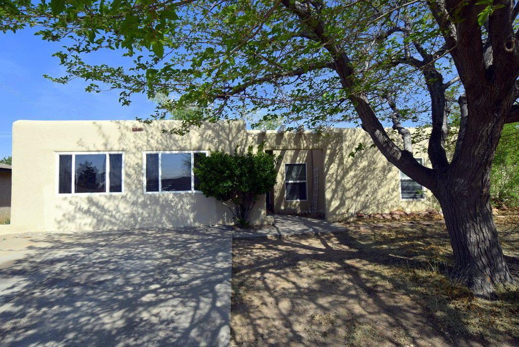 4119 Alcazar Street NE, Albuquerque, NM 87109