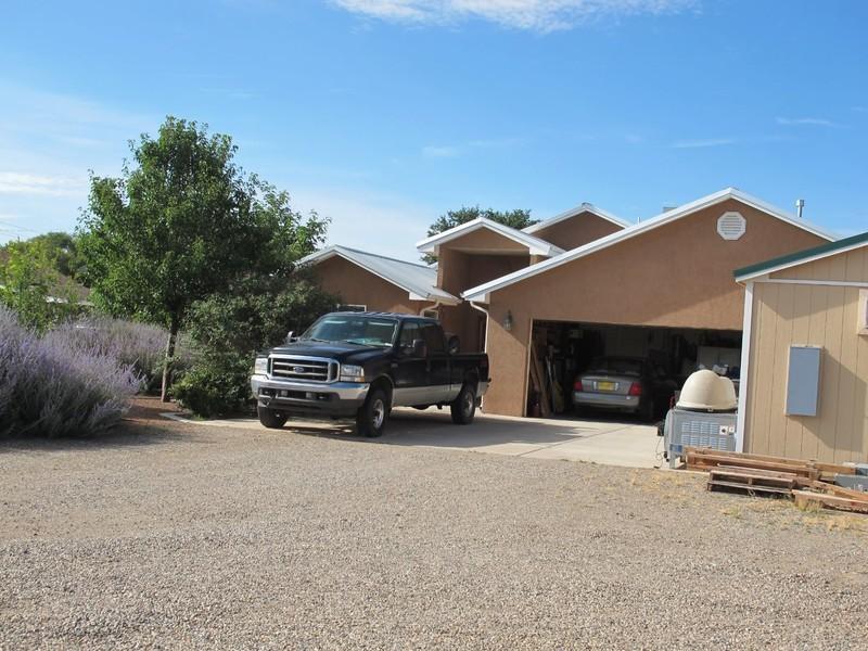4 Mesa Bonita, Los Lunas, NM 87031