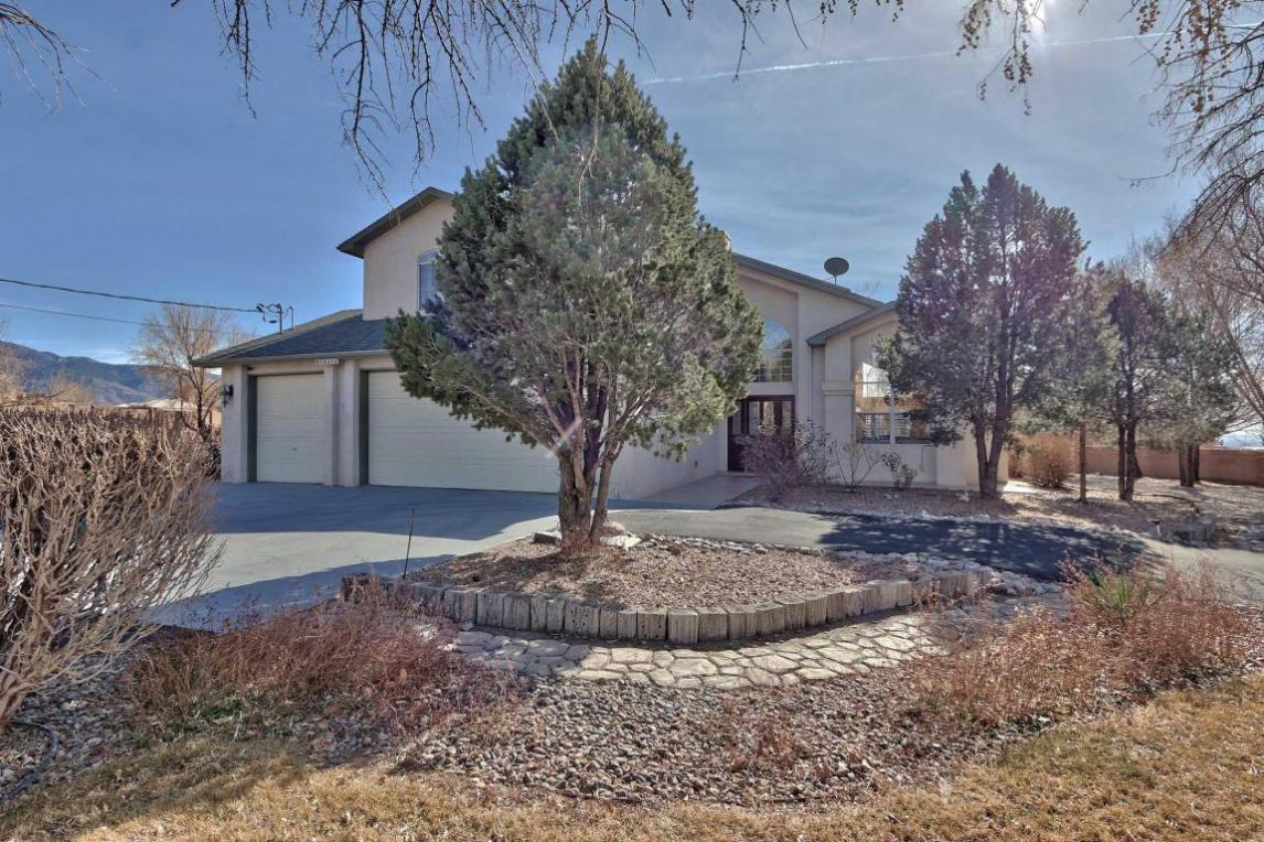 10410 Modesto Avenue NE, Albuquerque, NM 87122