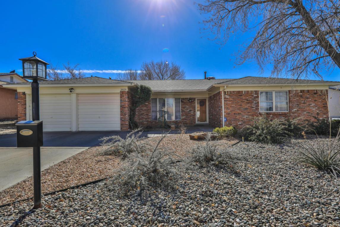 3828 Madrid Drive NE, Albuquerque, NM 87111