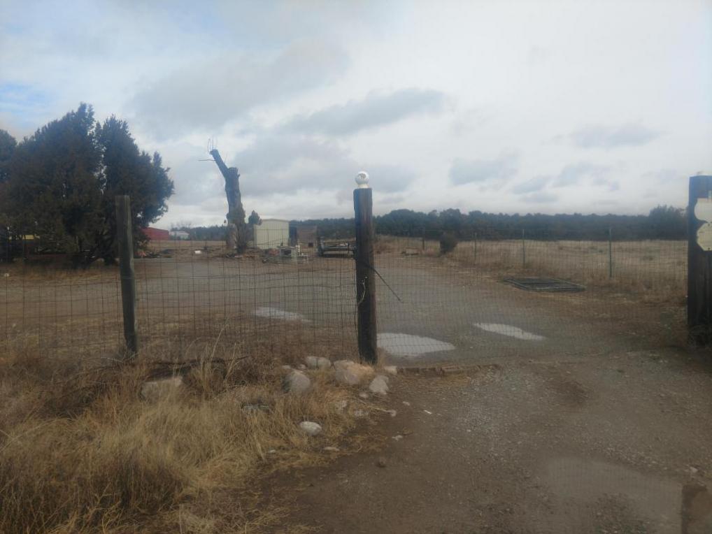 4 Lois Court, Edgewood, NM 87015