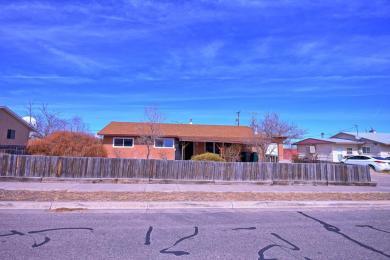4 Lost Horizon Drive NW, Albuquerque, NM 87121