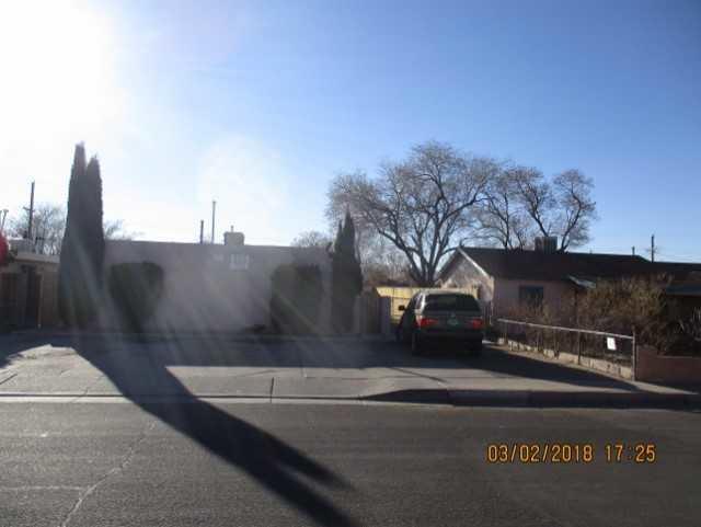 225 Vermont Street NE, Albuquerque, NM 87108