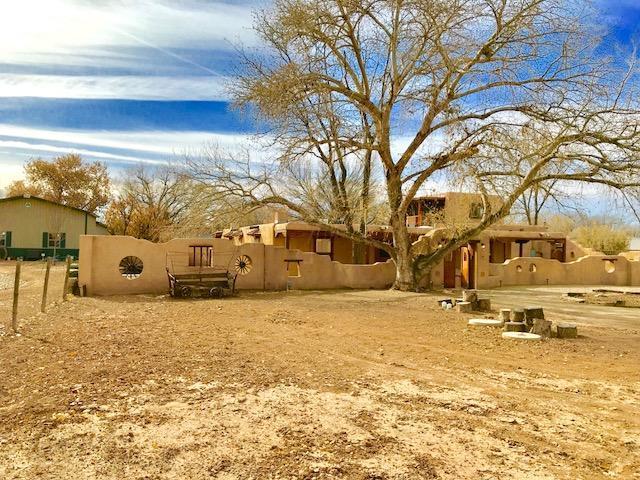 565 W Ella Drive, Corrales, NM 87048