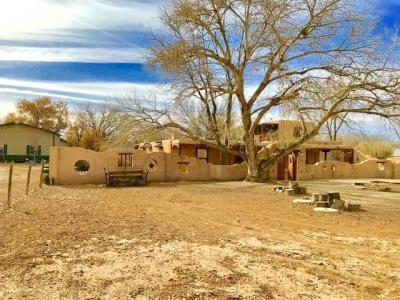 Photo of 565 W Ella Drive, Corrales, NM 87048