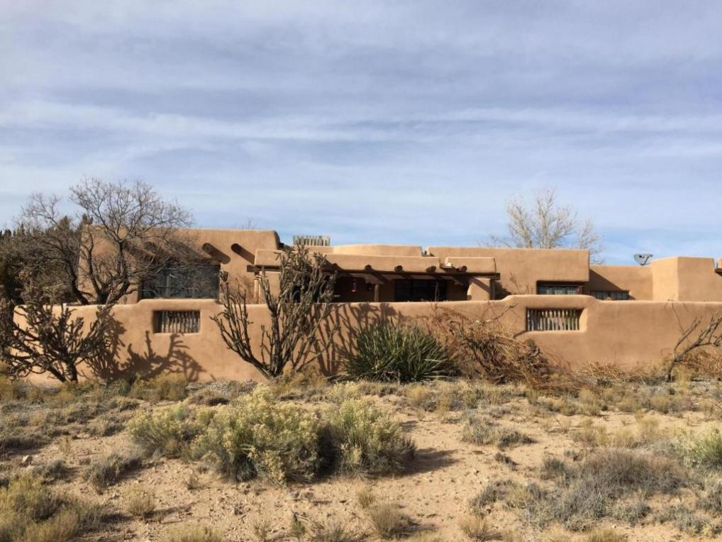 3 Trails Rd West, Placitas, NM 87043