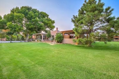 Photo of 707 Walden Road, Corrales, NM 87048