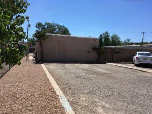 420 Kentucky Street SE, Albuquerque, NM 87108