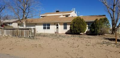Photo of 807 10th Avenue NW, Rio Rancho, NM 87144