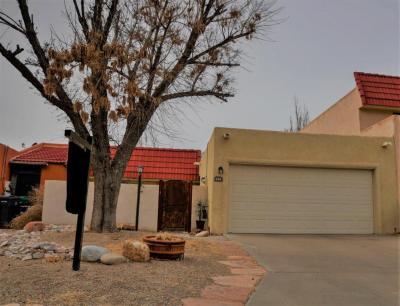 Photo of 654 Lakeview Circle SE, Rio Rancho, NM 87124
