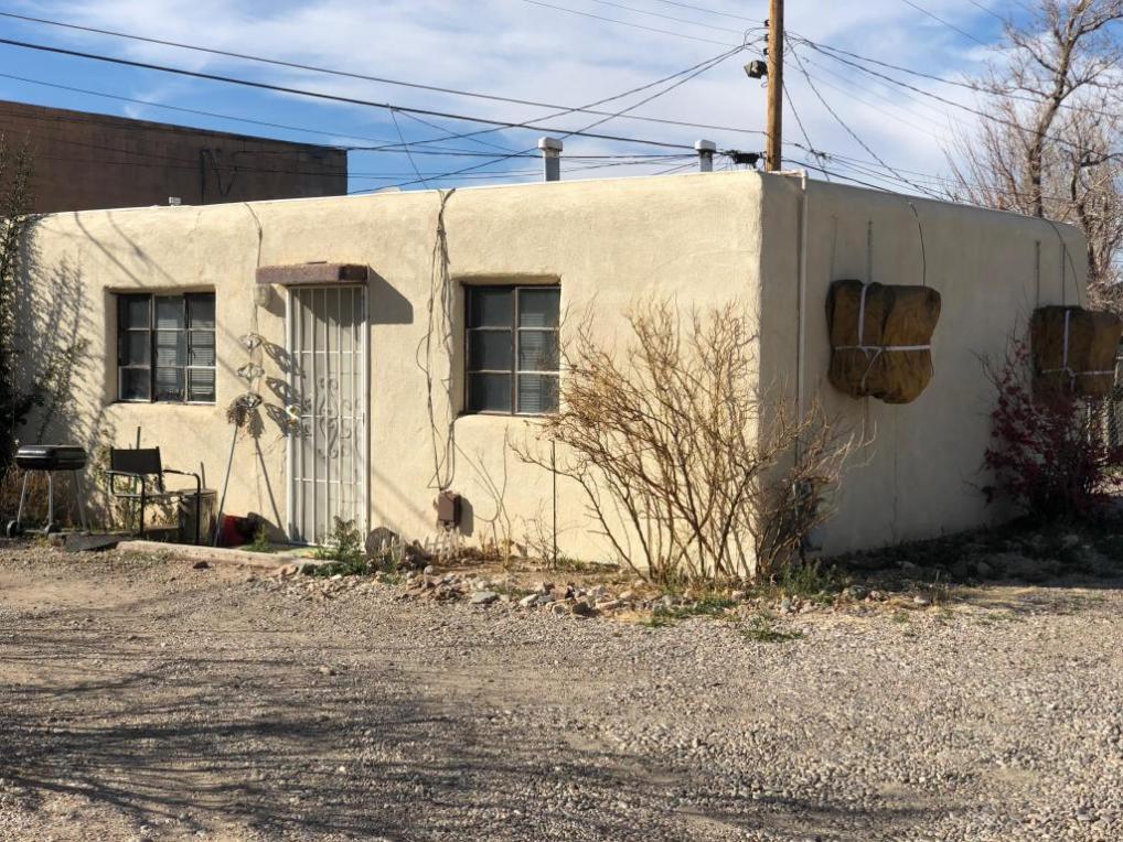 205 General Marshall Street NE, Albuquerque, NM 87123