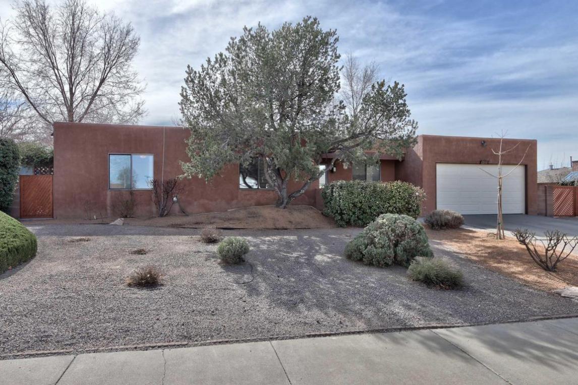 9404 Academy Hills Drive NE, Albuquerque, NM 87111