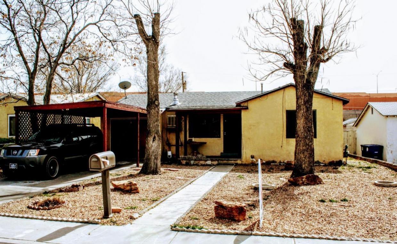 330 Arvada Avenue NE, Albuquerque, NM 87102
