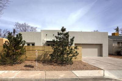 Photo of 1822 Aliso Drive NE, Albuquerque, NM 87110