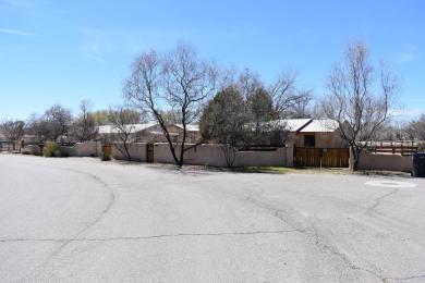 5805 Warren Lane SW, Albuquerque, NM 87105