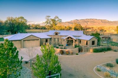 Photo of 727 San Juan Place, Los Ranchos, NM 87107