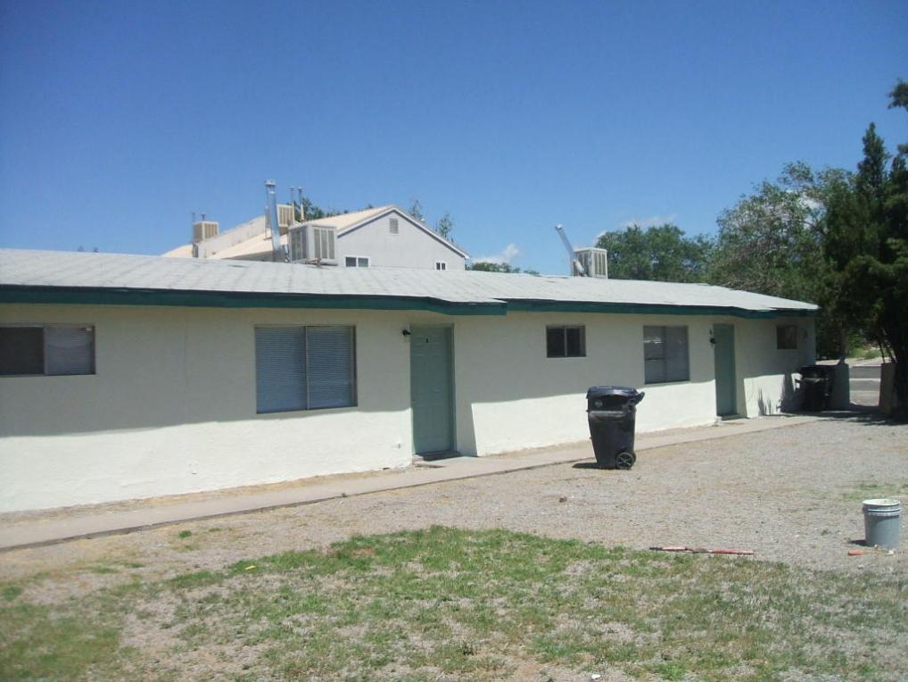 425 Tennessee Street NE, Albuquerque, NM 87108