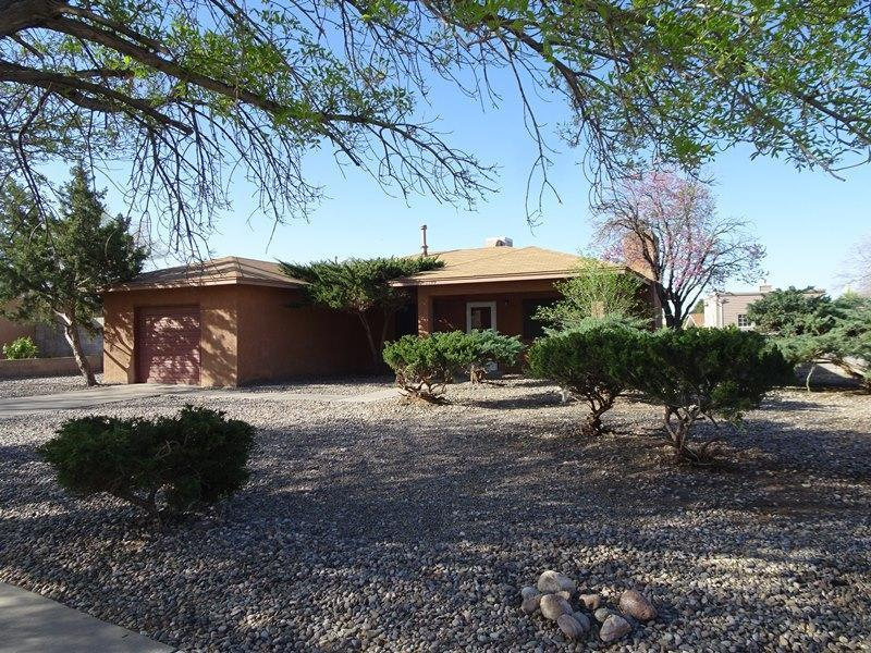 8809 Peony Court NE, Albuquerque, NM 87113