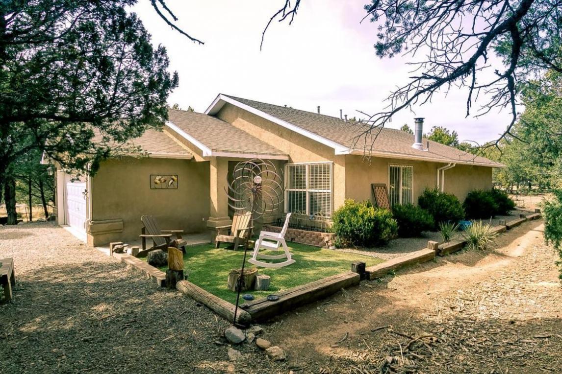 231 Gonzales Road, Tijeras, NM 87059