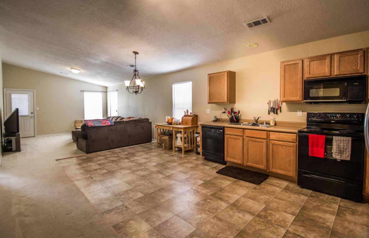 1304 Spruce Meadows Drive NE, Rio Rancho, NM 87144