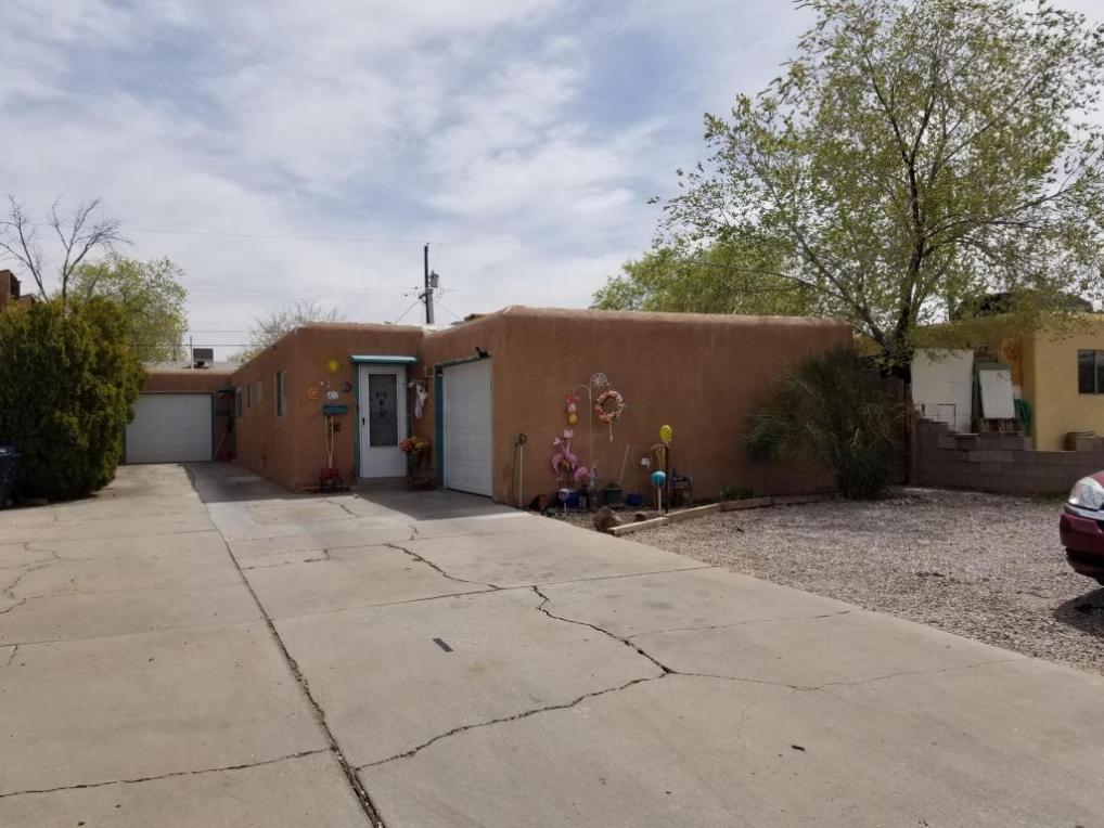 420 Rhode Island Street SE, Albuquerque, NM 87108