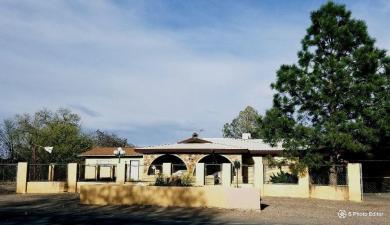 2450 Tapia Boulevard SW, Albuquerque, NM 87105