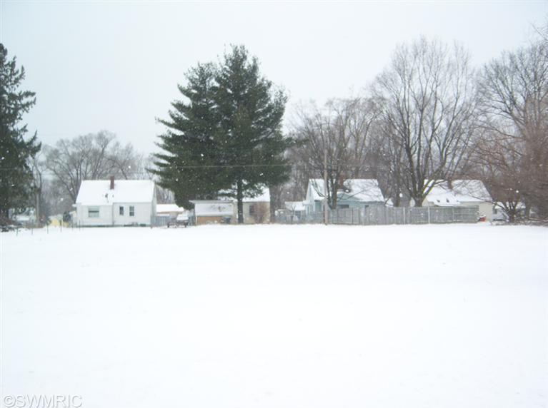 1380 Milton Street, Benton Harbor, MI 49022