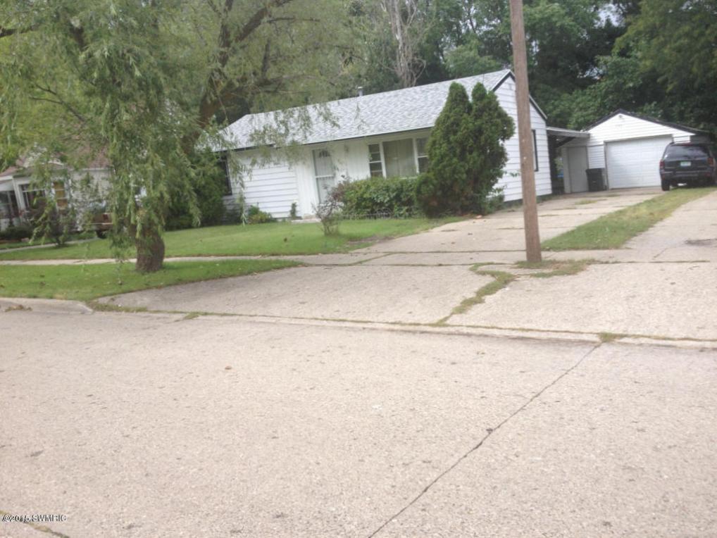 992 Allen Avenue, Muskegon, MI 49442