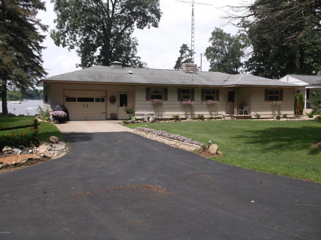 59190 Pine Grove Road, Colon, MI 49040