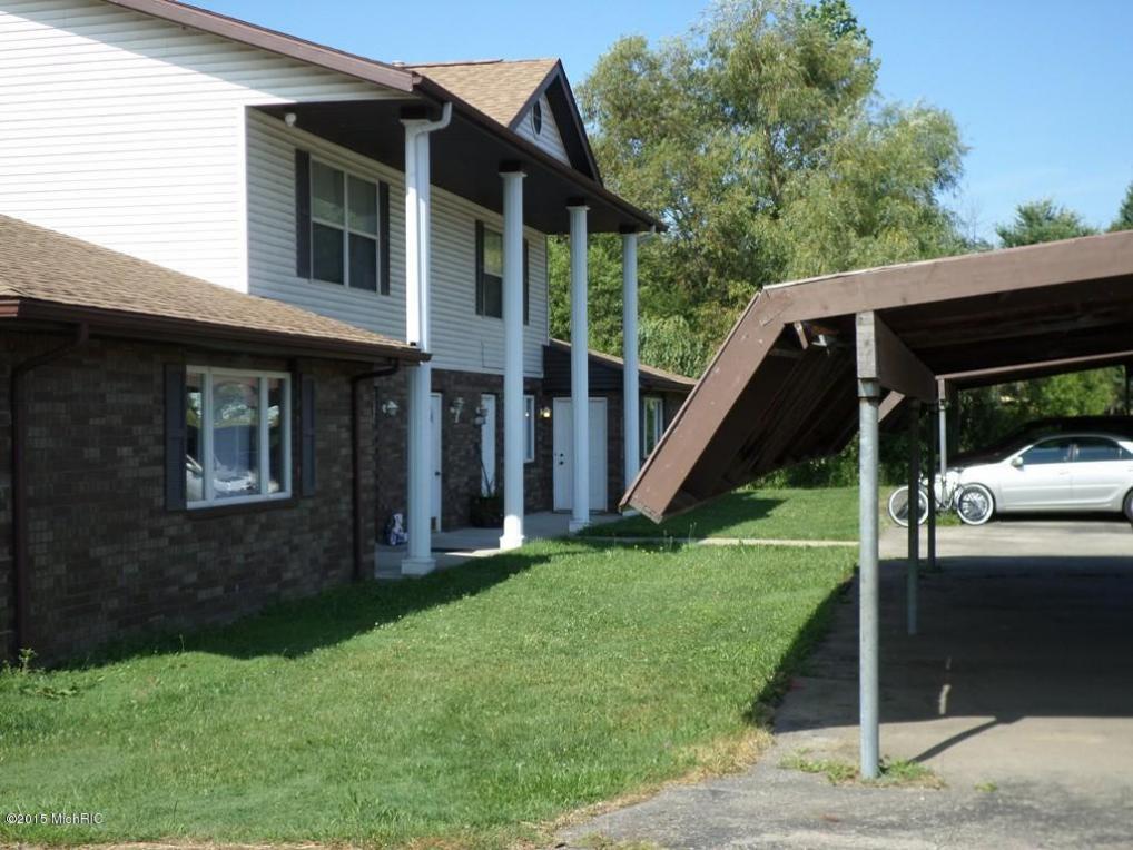5651-5655 Paw Paw Lake Road, Coloma, MI 49038