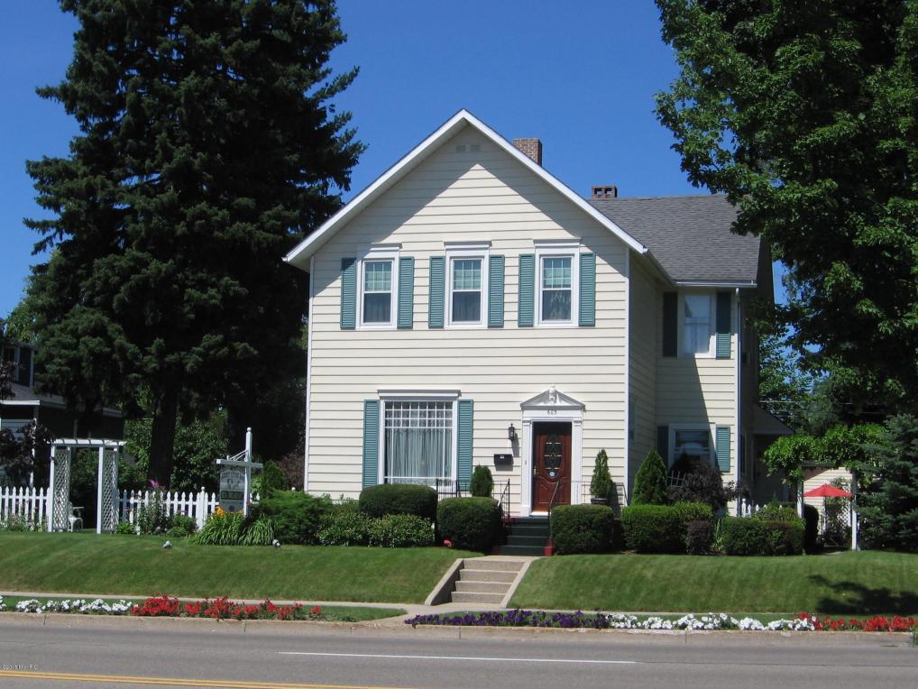 603 E Ludington Avenue, Ludington, MI 49431