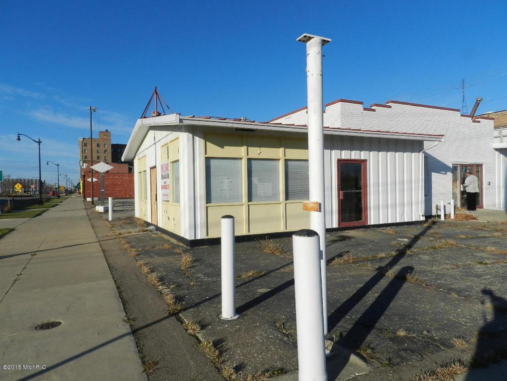 287 E Main Street, Benton Harbor, MI 49022