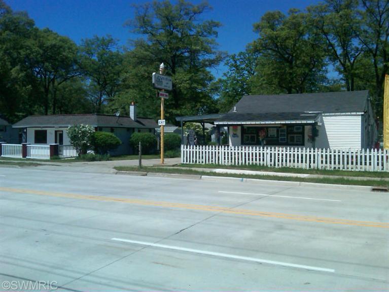 2312 W Sherman Boulevard, Muskegon, MI 49441