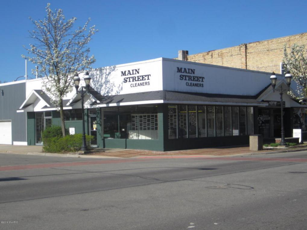 36 E Main Street, Fremont, MI 49412