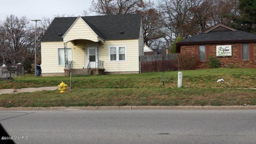 1159 28th Street SE, Grand Rapids, MI 49508