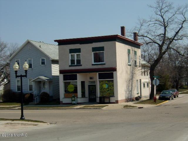 135 Washington Street, Manistee, MI 49660