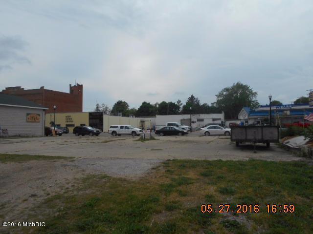 112-118 Main Street N, Scottville, MI 49454