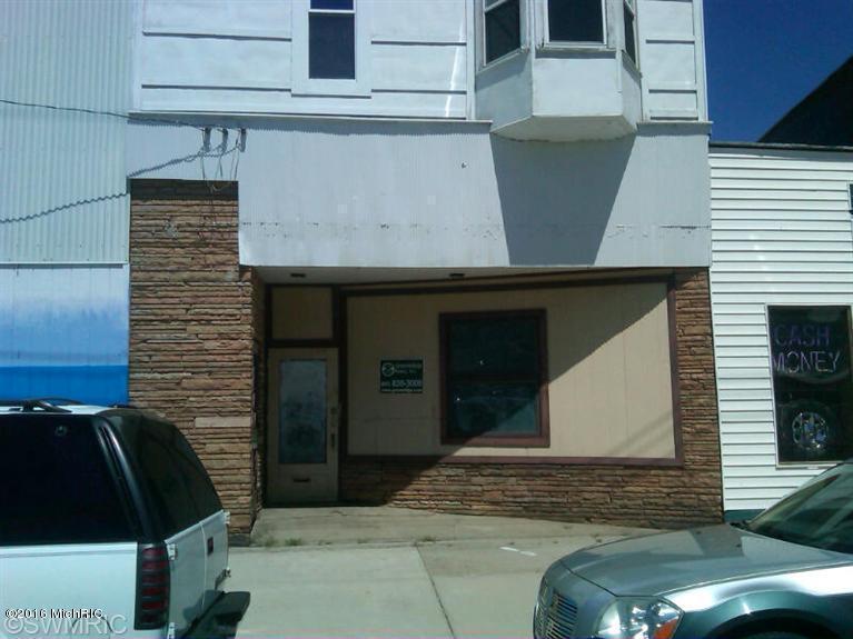 984 Pine Street, Muskegon, MI 49442