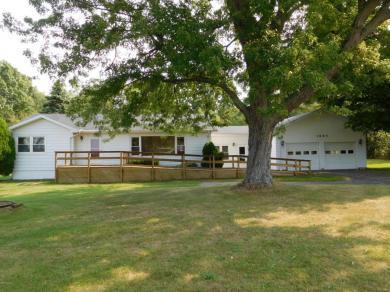 1885 N Benton Center Road, Benton Harbor, MI 49022