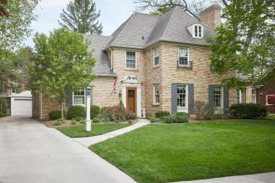 958 Pinecrest Avenue SE, Grand Rapids, MI 49506