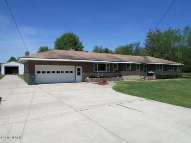 376 E Mt Garfield Road, Muskegon, MI 49441