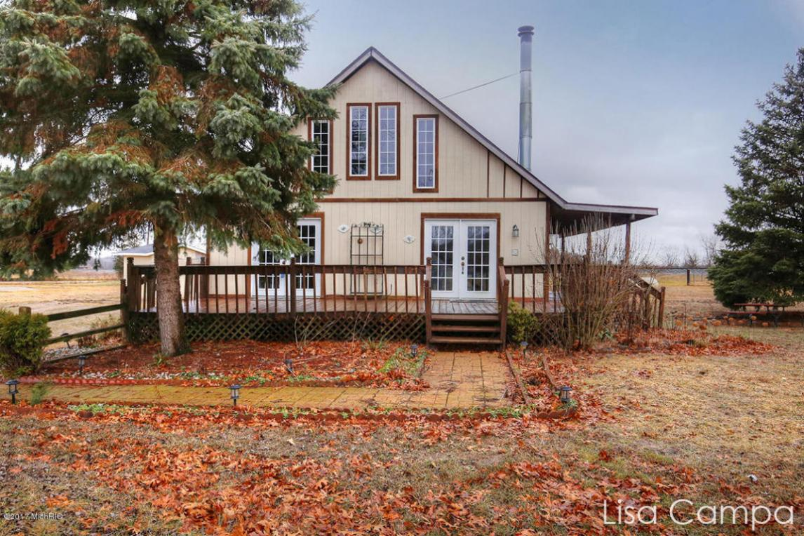 Homes For Sale On Hutchins Lake In Fennville Mi